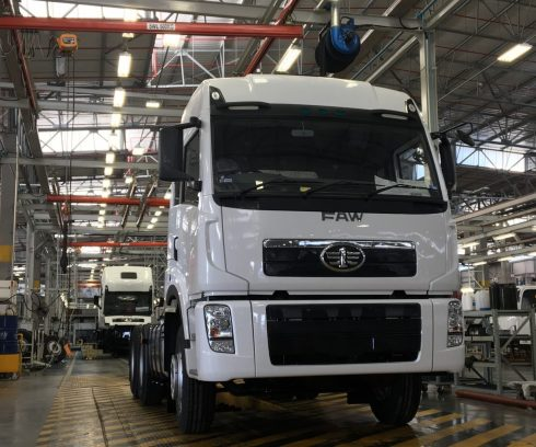 New-FAW33.420_3000th-truck-off-the-line